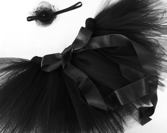Туту аксесоар за коса Черен Лебед