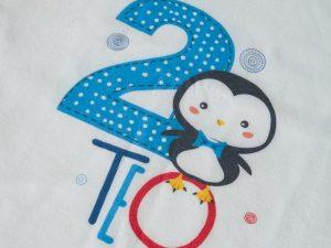 Блуза с име и годинки малко пингвинче