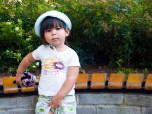 Вики с детска блуза за втори рожден ден Принцеса