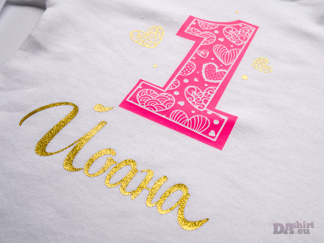 Блуза за рожден ден с име в циклама и златно