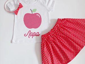 Комплект червена Ябълка с пола на точки и името на детето