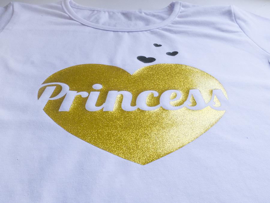 Тениска принцеса в Златно