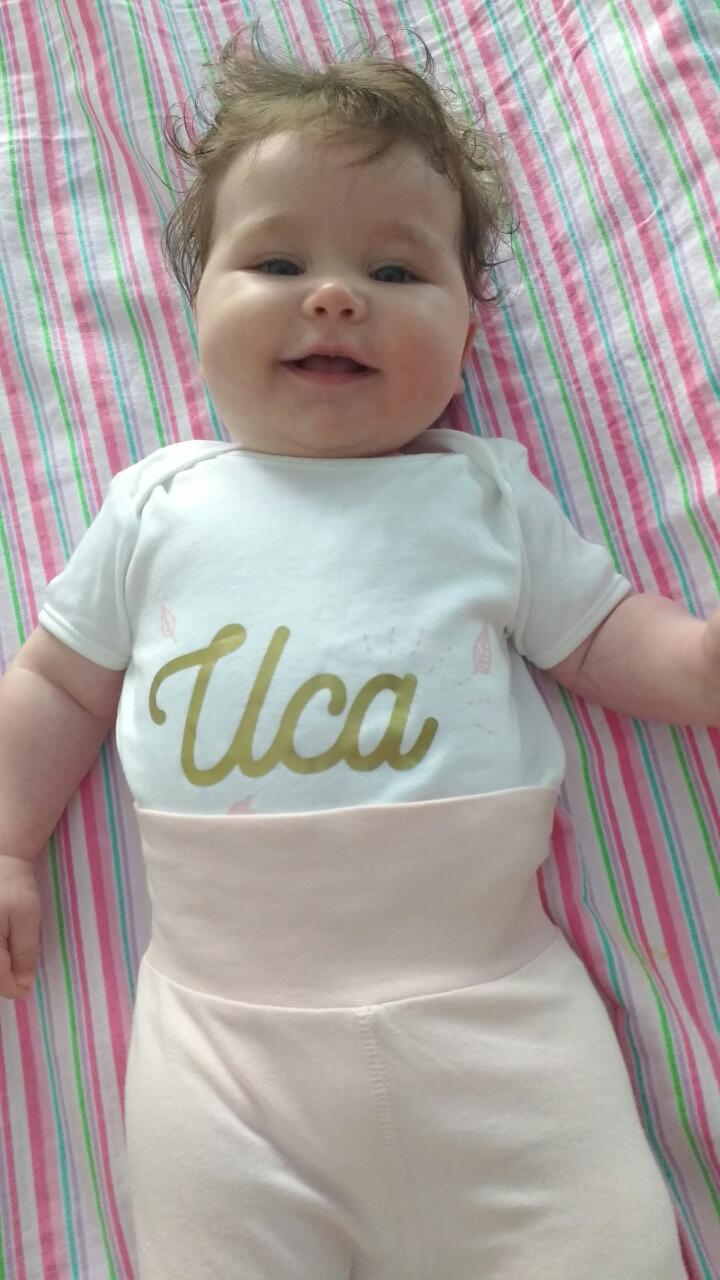 Бебе Иса с персонализирана блузка
