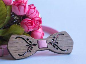 дамска папийонка в бледо розово