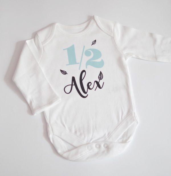 бебешко боди за половин годинка с име