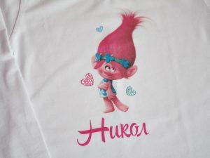 Тениска с принцеса попи от тролчетата и с името на детето