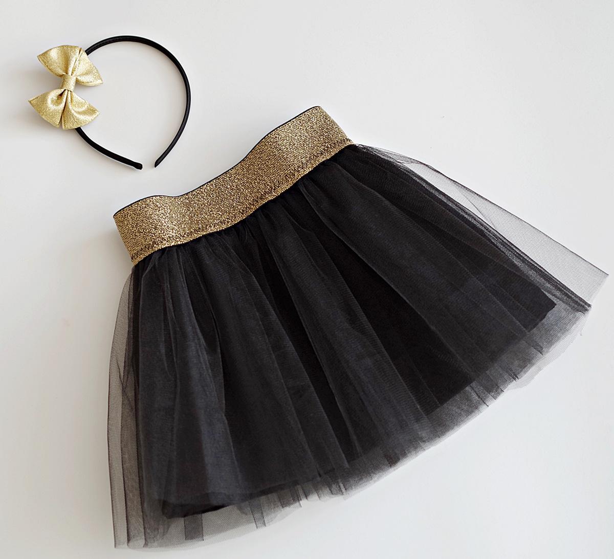dffc67f77ad Пола в черно и златно от кристален тюл за рожден ден